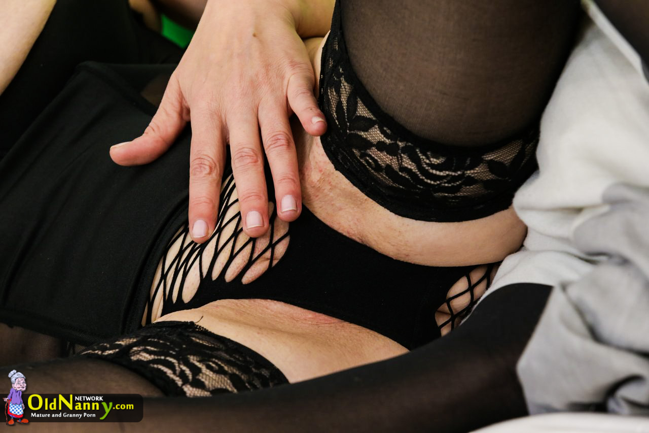 Grannie ladies pictured nude while jerking