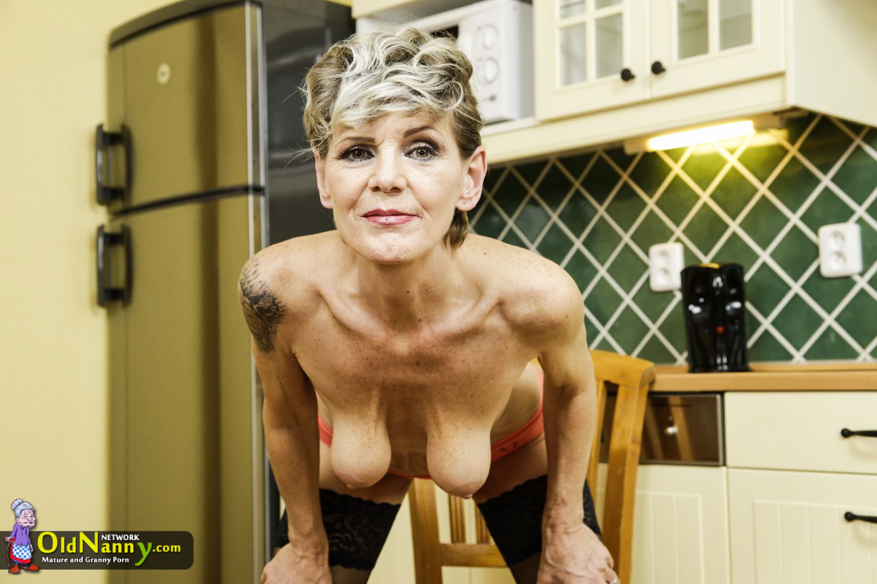 Aged and wrinkly grannie got exposed her nude assets