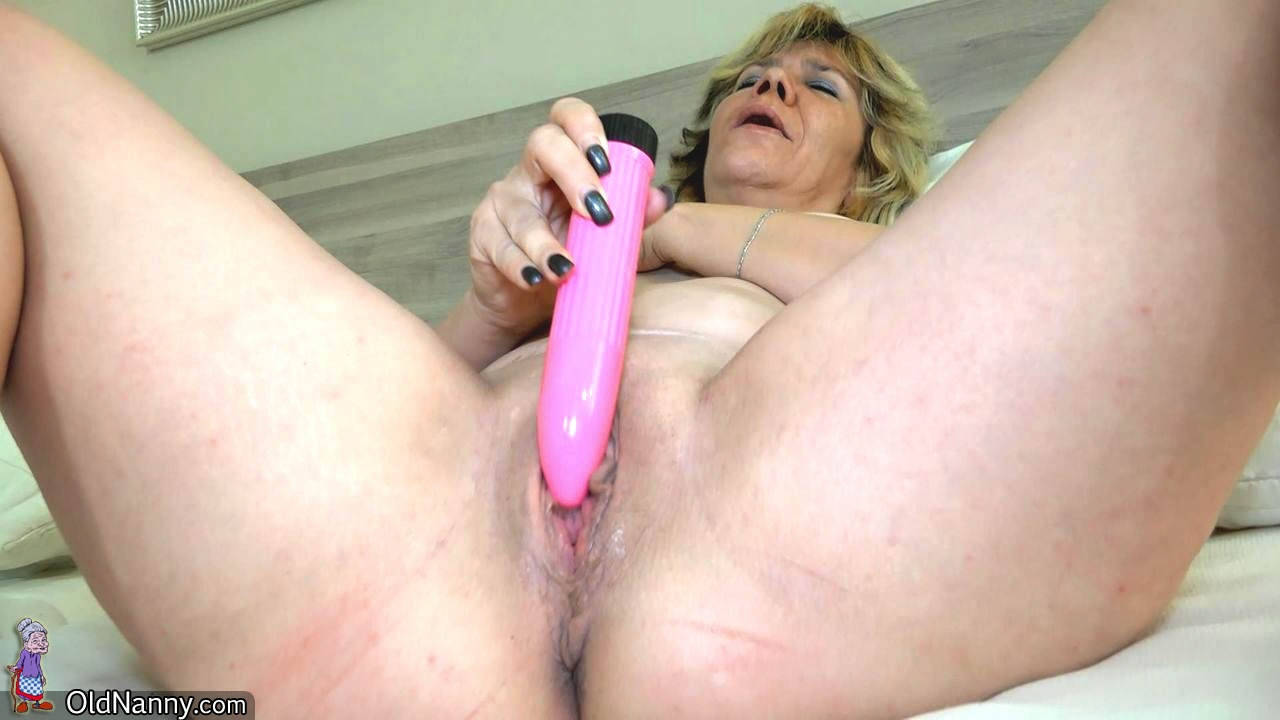 All girl party with belt cock